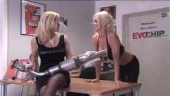 Loiras lésbicas excitadas gozando gostoso
