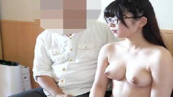 Estudante japinha dos seios durinhos fodendo gostoso