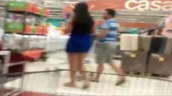 Flagra sexo no supermercado