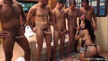 Video porno suruba com a magrinha deliciosa