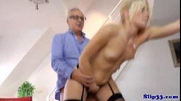 Loira gostosa porno bunduda safada transando forte com o tio