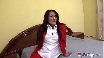 Pornor carioca mulata safada se acabando na piroca do bem dotado