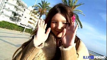 Rei do porno video novinha princesa transando gostoso com o gordinho