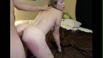 Cu gozado da magrinha viciada em sexo anal