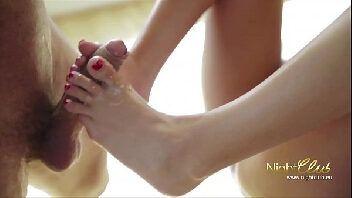 Globosexy podólatra fodendo com uma gostosa depois da massagem