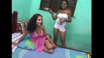 Meninas fazendo sexo suruba dando o cu para o macho