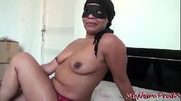 Putas velhas fazendo sexo forte com novinho magrelo