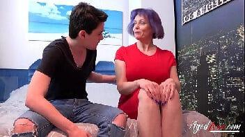 Sexo com a sogra peituda muito safada querendo ser fodida com força